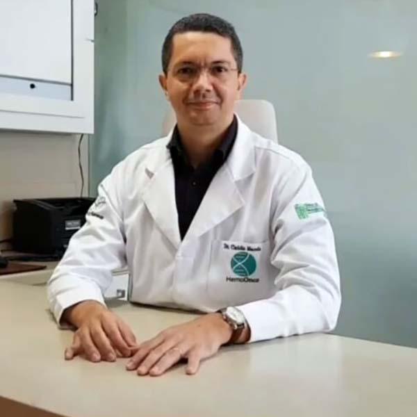 Dr. Cláudio César Gomes de Macedo